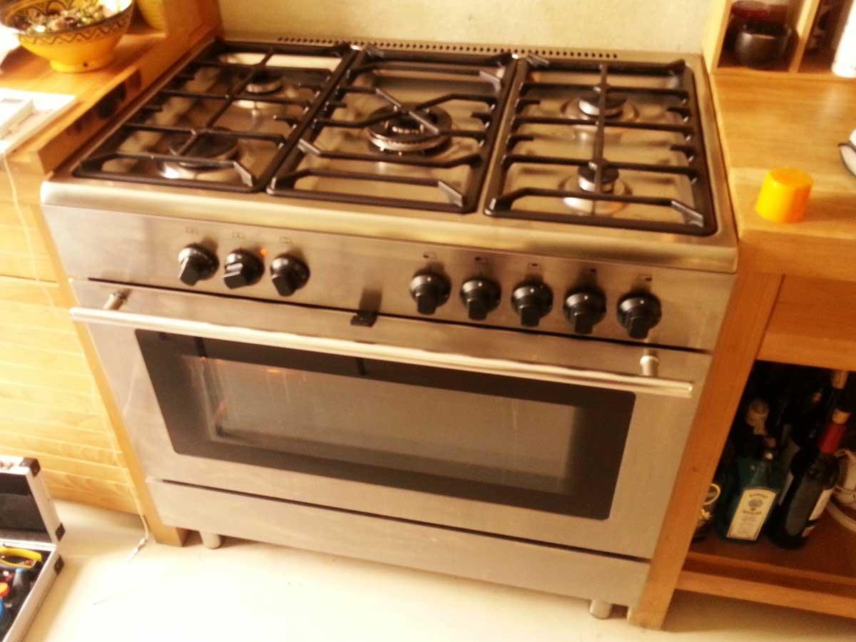 Cocina gas y horno ikea pro a11s quema la comida del horno for Cocinas gas butano baratas
